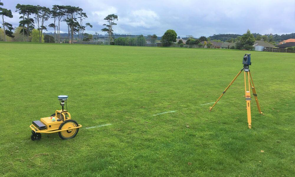 High-precision autonomous robot for stake-out with total station